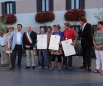 the winners of the 3 categories - Katy(Maestro), Jenny (Semplici) and Juandro (Qualificato) with the Mayor